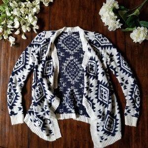 CHARLOTTE RUSSE | Cardigan Blue & White Boho Aztec
